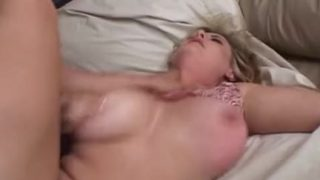 Blond bigtitted hussy fucked in pussy